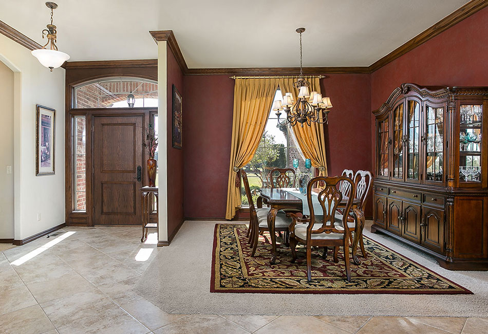 Edmond formal dining room in Shadow Lake addition.